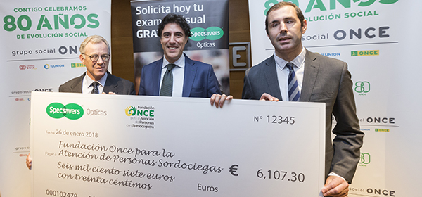 Specsavers Opticas raise over 6,000€ for ONCE