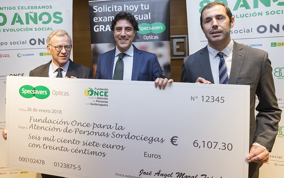 Specsavers Opticas raises over €6000 for deaf-blind people