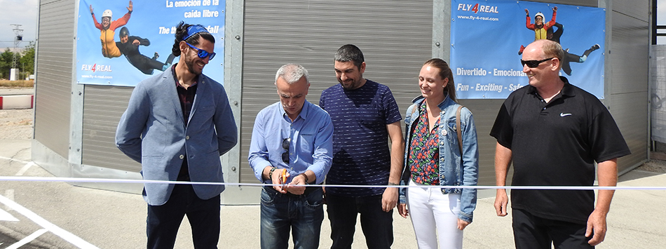 Mayor of Campillos officially opens Spain's first outdoor skydiving simulator